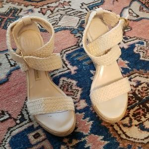 Dana Buchman Size 7.5